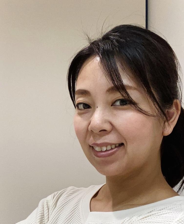 根冝亜紀子